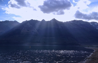 Sunrays at the head of Lake Wakatipu. See Smiley Mountain over there on the right?