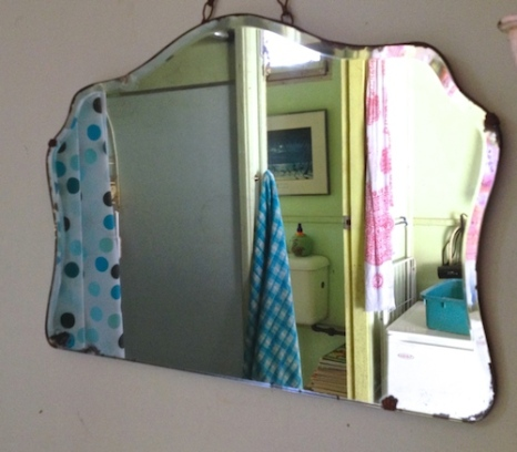 bathroom mirror reflect photo